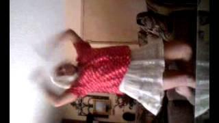 Mee dancing to naruto shippuden opening 4 =]