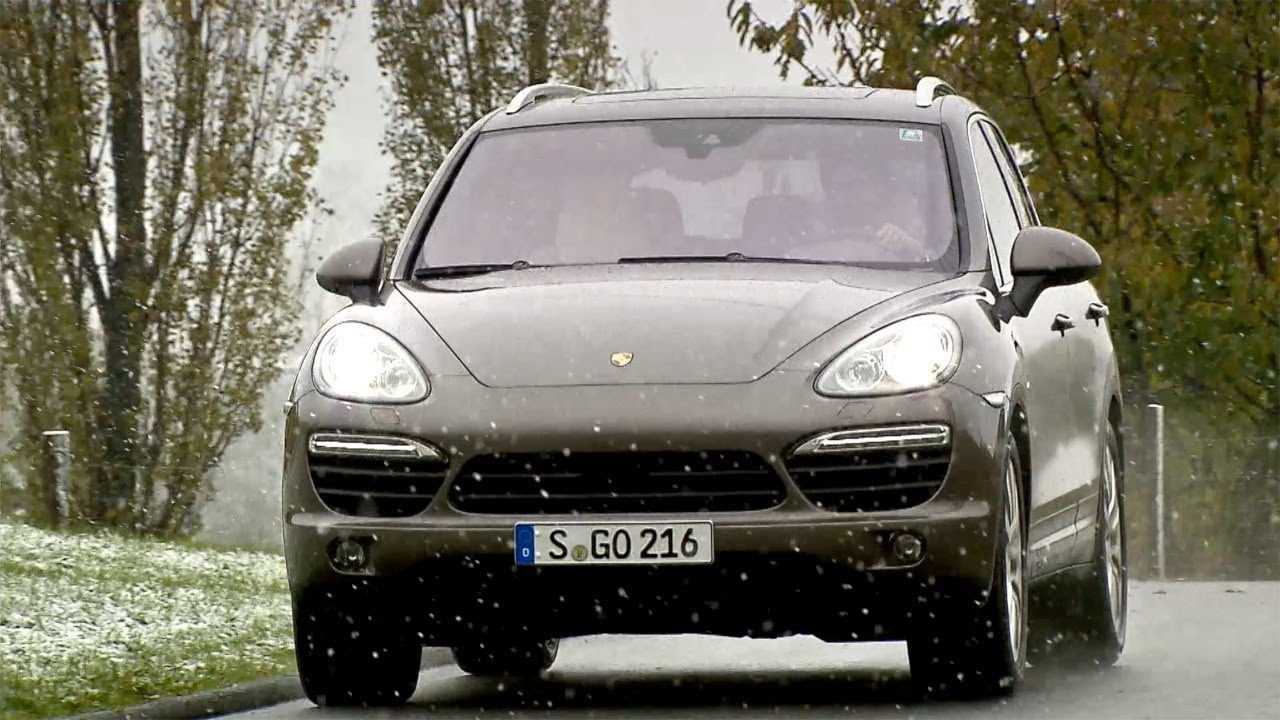 2013 porsche cayenne s diesel 4 2 v8 382 hp driving hd. Black Bedroom Furniture Sets. Home Design Ideas