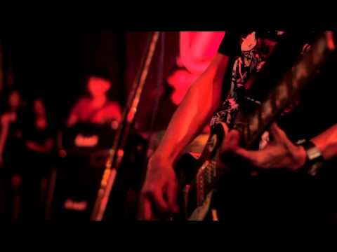 Snickers And The Chicken Fighter -  Inside My Head ( At EXTREME PRICE BLITAR )