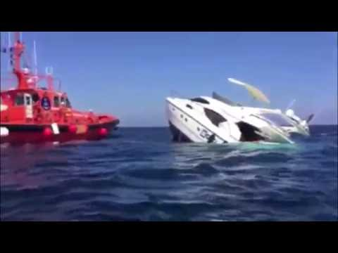 Mallorca : Germans saved from sinking yacht  ► Deutsche von sinkender Yacht gerettet