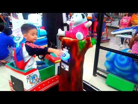 naik-kereta-api-mini-odong-odong-kereta-api-anak-mainan-anak-di-playground-tempat-bermain-anak