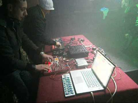Bösenstiel - synth game (live@kaffeeröste plauen).wmv