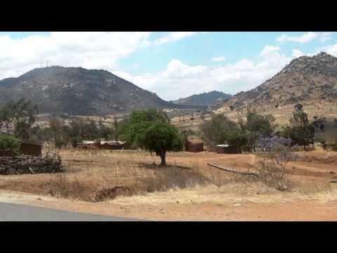 27 - Mental boulderscape on the road to Iringa. Safari in Tanzania.
