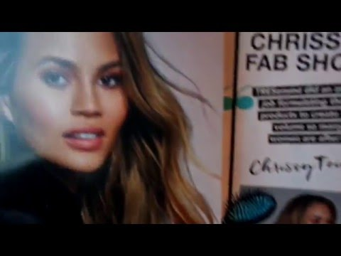 ASMR Page Turning  (Cosmopolitan Magazine) Request