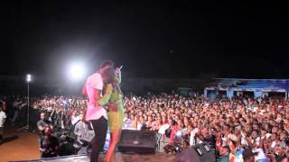 Tiwa Savage Serenades A Lucky Guy On Stage