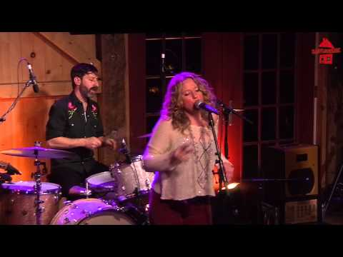 Amy Helm & the Handsome Strangers 2-14-15 Live at Daryl's House Club