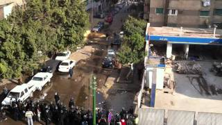 egyptian police thugs chase and beat an egyptian man jan 28th 2011 egypt protest watch in 720p