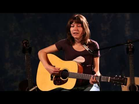 Martin D-18 Demonstration by Molly Tuttle |