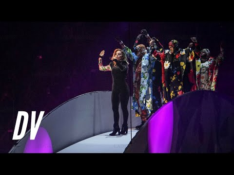 Lady Gaga - Applause (Live from The Joanne World Tour)