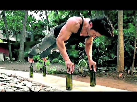 Vidyut Jamwal Incredible Workout Stunt For JUNGLEE New Movie 2017