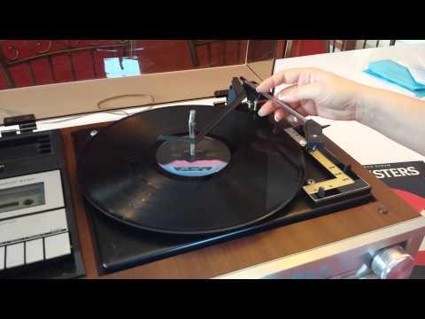 Sanyo record player