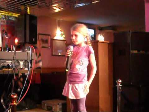 My Daughter Singing On The Karaoke To I Kissed A Girl