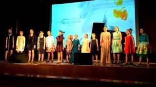 Дмитрий Маликов спел с саратовскими детьми песню о маме