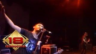 Video Bondan Fade 2 Black - Expresikan (Live Konser Jateng  26 Februari 2011) download MP3, 3GP, MP4, WEBM, AVI, FLV Desember 2017