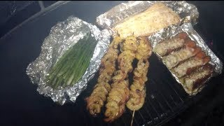 How to Prepare and Smoke Salmon, lobster tail, Shrimp and asparagus, all at the same time