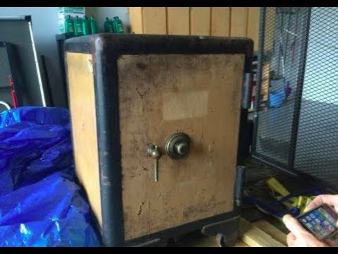 Locksmith Cracks Open An Old Safe And Uncovers Literal Treasure Inside