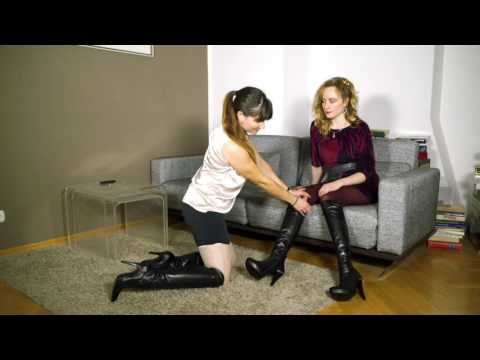 Anna and Elisabeth try on different Boots and outfits.