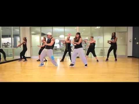 """Besas Tan Bien"" Farruko - Zumba Choreography"