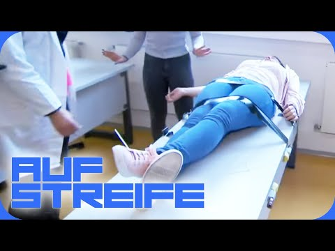 Drogenexperiment an Schule  Auf Streife  SAT.1 TV