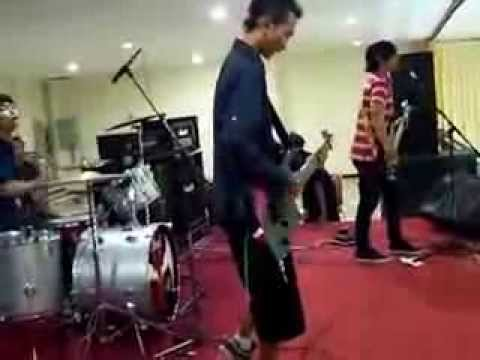 I Play On My Way - Dammit (Blink 182 Cover) Live on Admiral Semarang