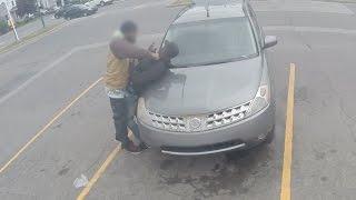 Жесткий пранк. Пранк с бутылкой. Писает на машины. Ссыт на улице. Опасная шутка. Напали на пранкера