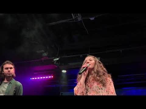 Sophie Rose - Hurt By You [LIVE]