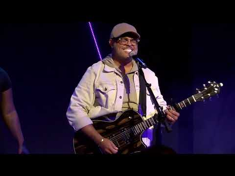 Israel Houghton - See A Victory - Your Presence Is Heaven - I Worship You I Live