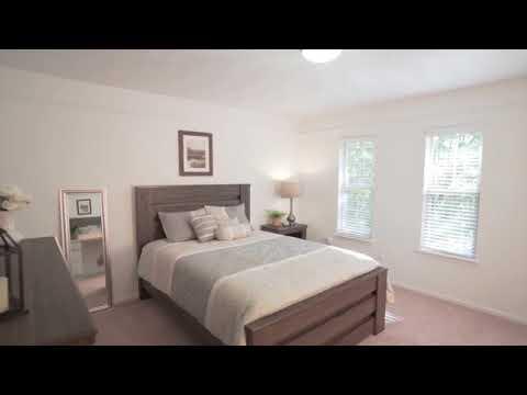 Autumn Ridge Townhomes & Apartments - Lansing, MI