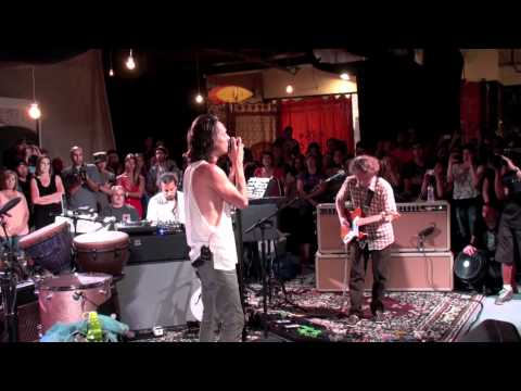 Incubus - Monuments and Melodies (live at incubus hq) mp3