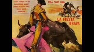 LA VIRGEN DE LA MACARENA - Banda de la Monumental Plaza México