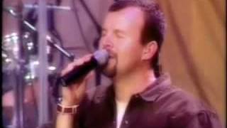Casting Crowns - Who am I (LIVE) - With Lyrics/Subtitles
