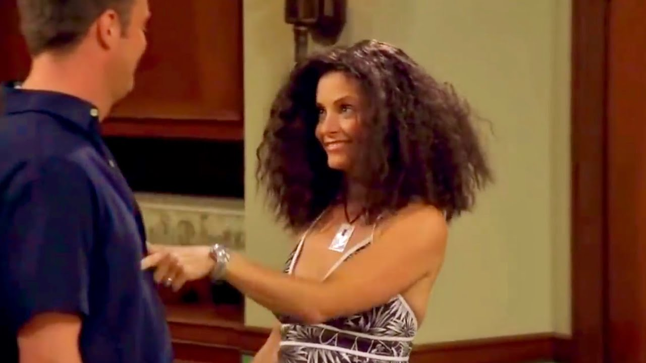 """Download FRIENDS- The one with Monica's big hair and """"it's the humidity!"""""""