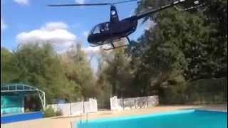 Video Amazing pilot skills. Robinson helicopter landing in limited space. download MP3, 3GP, MP4, WEBM, AVI, FLV Desember 2017
