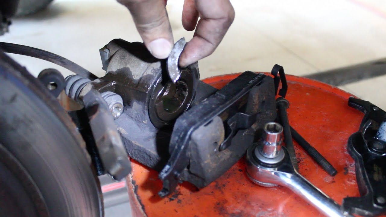 2004-2008 Ford F-150 - Brake Caliper Replacement - YouTube