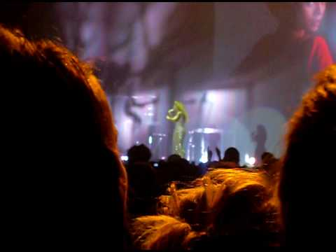 Beyonce - Listen (Metro Arena, Newcastle)