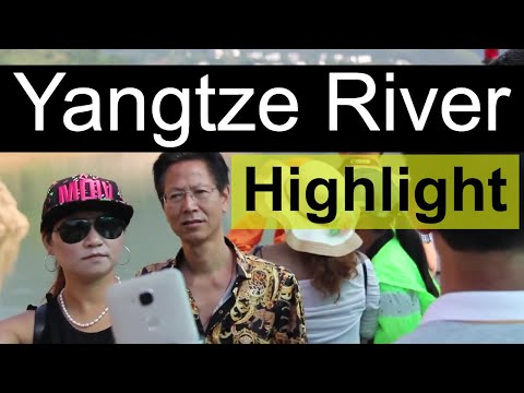 Shennong Boat Tour - A Yangtze Tour Highlight // Along the Yangtze Day 5