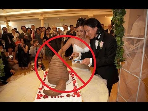 Top 25 Hilarious Wedding Photos Weddings Gone Wrong