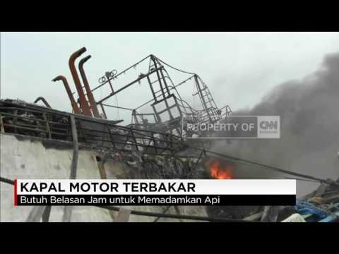 Kapal Motor Terbakar di Pelabuhan Muara Baru, Jakarta Utara
