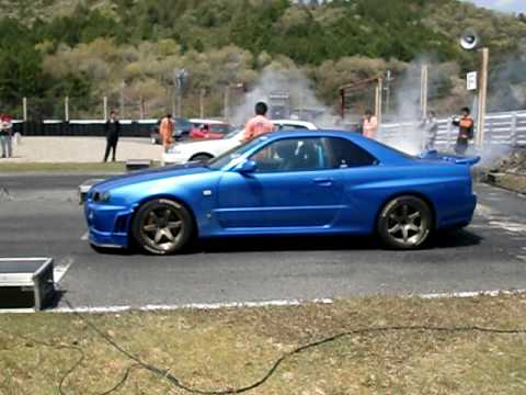skyline R34 1000 hp.Vs toyota 2JZ