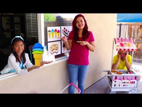 Wendy Pretend Play with ICE CREAM Drive Thru Toy Store