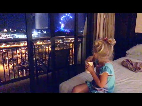 Our 1st Time At Contemporary Resort!! Phenomenal Fireworks!!