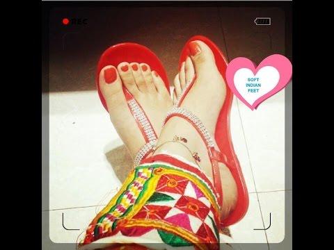 Ariana Grande Hot Sweet Sexy Feet & Thighs | Ariana Grande Sexy Legs