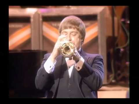 Woody Herman, Clark Terry, Pete Barbutti, Joe Williams,The Dukes of Dixieland - Live in Houston 1985