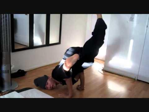 Breakdance Tutorial: Basic Freezes (Turtle/Hanglide/Baby ...