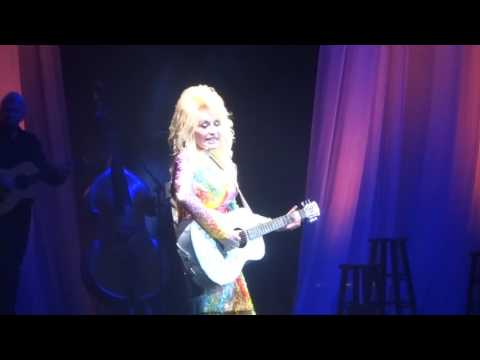 "Dolly Parton sings ""Jolene"" at the Spectrum Center"