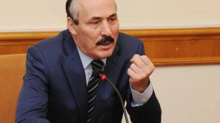 """Абдулатипов - мэру Буйнакска: """"Лопух! Я тебя вынесу из зала, негодяй..!"""""""