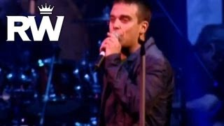 Watch Robbie Williams Its Not Unusual live video