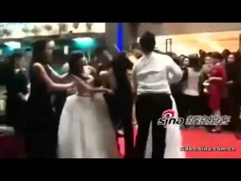 2 cô dâu đánh nhau vì tranh chú rể