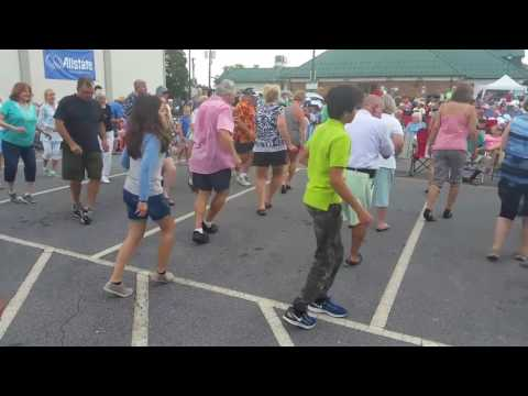 Hendersonville Line Dancing 2017: Starring Alexa and Casey