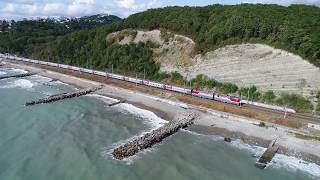[RZD] 2ES4K with a passenger train, Black sea